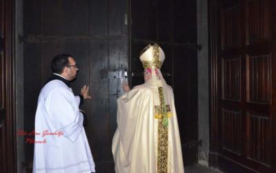 vescovo-pinerolo-chiude-porta-santa-giubileo